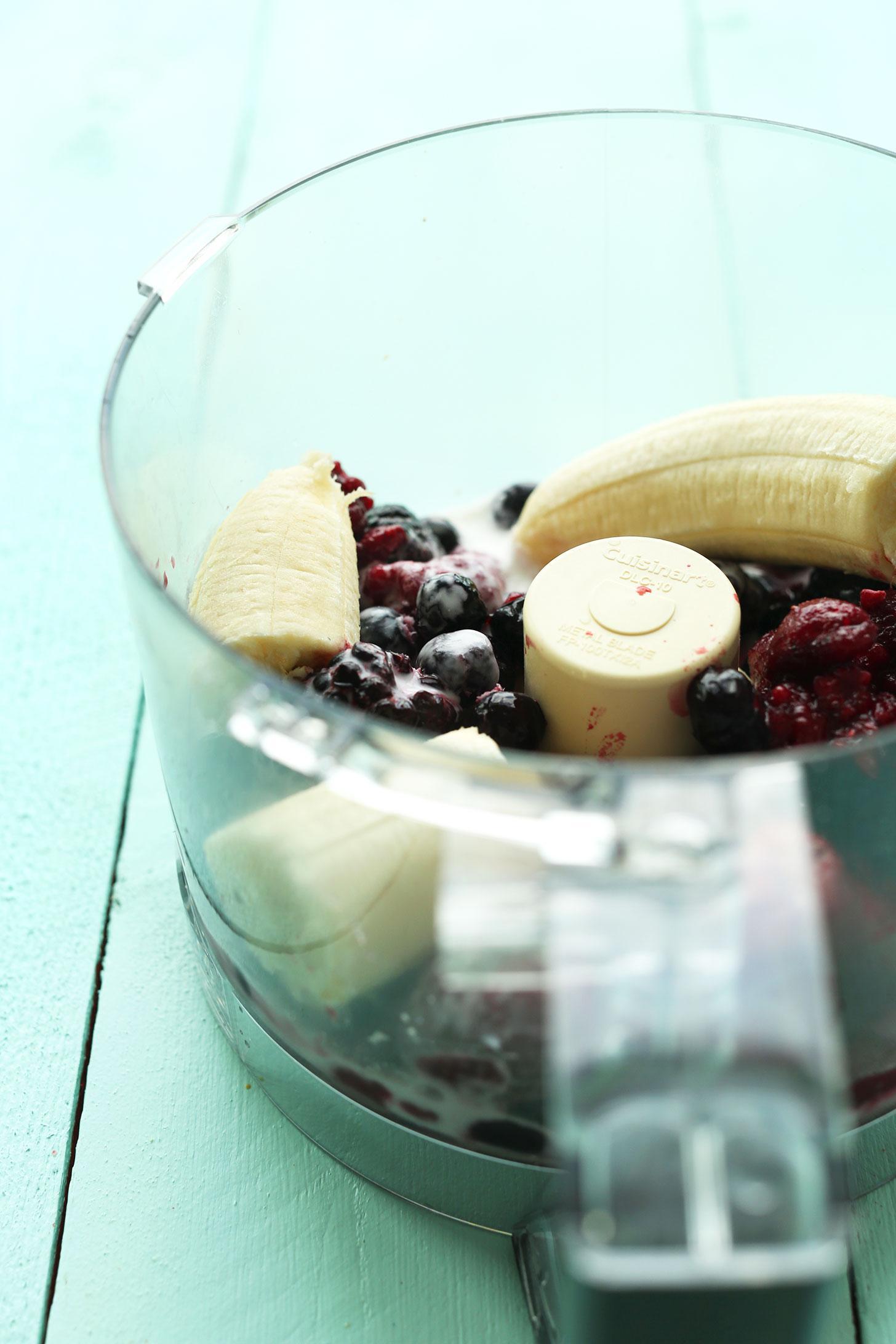 Пудинг из банана, ягод и семечек конопли 2