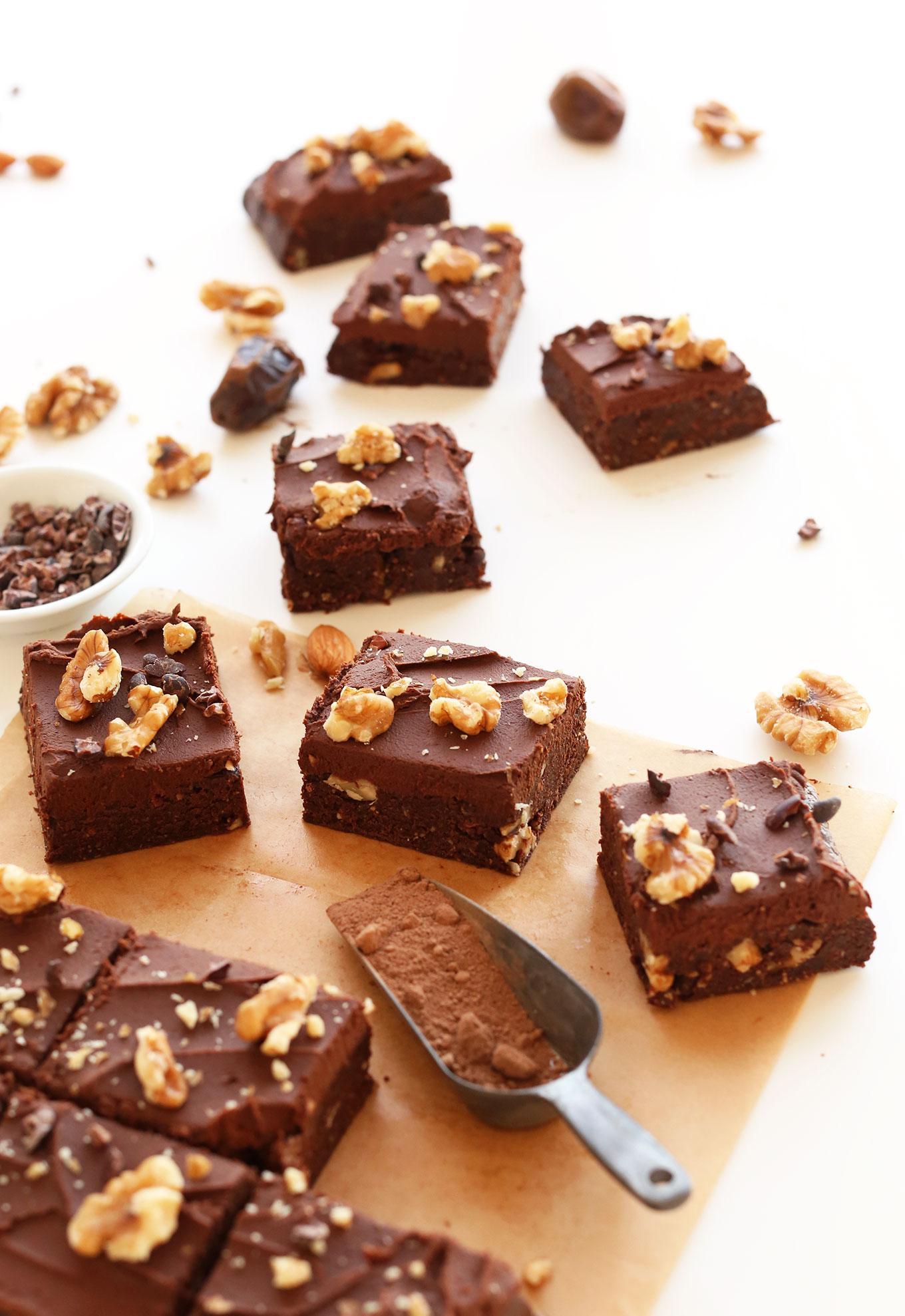 Веганские брауни без выпечки с шоколадным ганашем 9