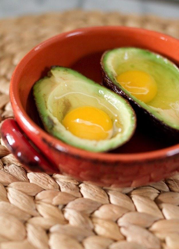 Запеченные яйца авокадо фото 2