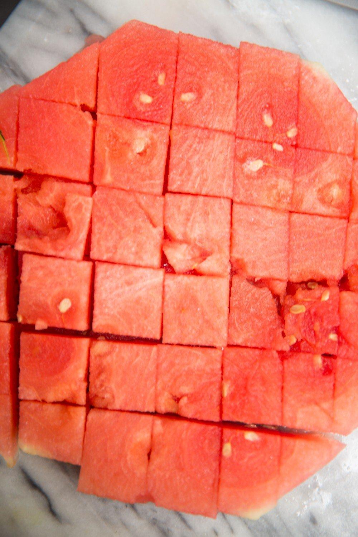 Салат из арбуза с сыром Фету фото 3