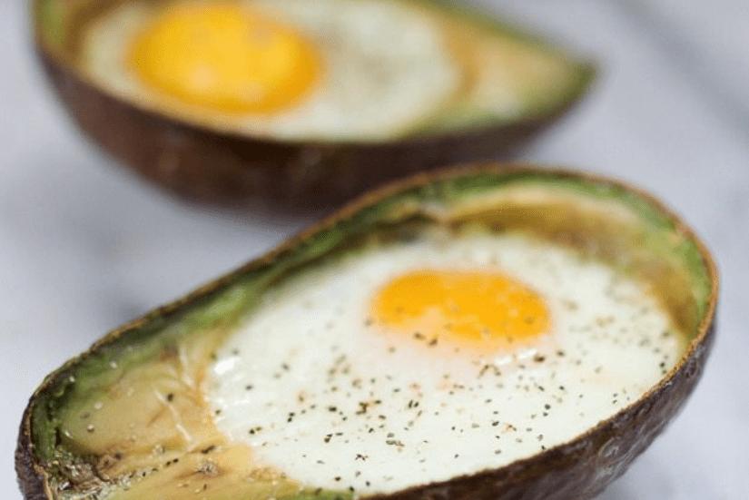 Запеченные яйца авокадо фото 3