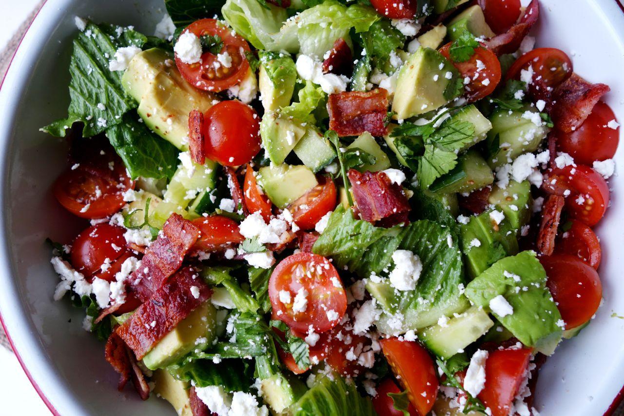 Салат с беконом, авакадо и фетой фото 1