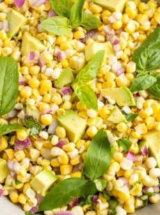 Кукурузный салат с авокадо