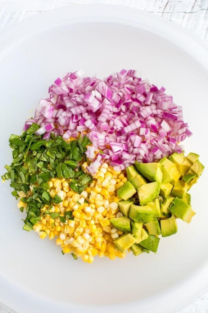 Кукурузный салат с авокадо 3