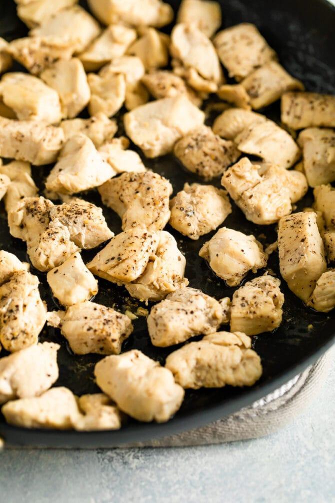 Лапша из цукини с песто и курицей 2