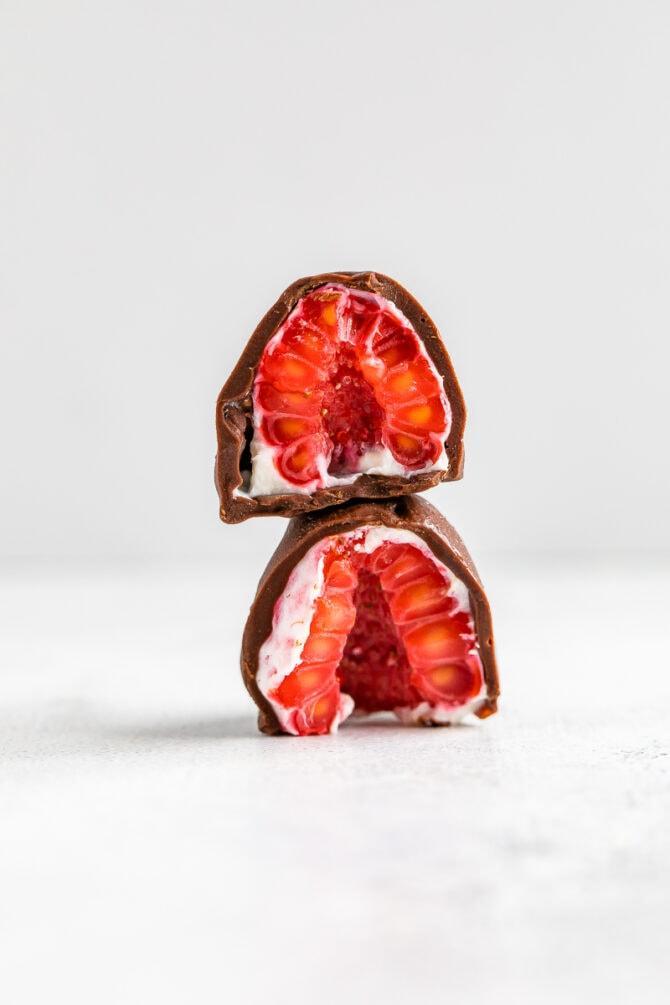 Замороженная малина в шоколаде 5