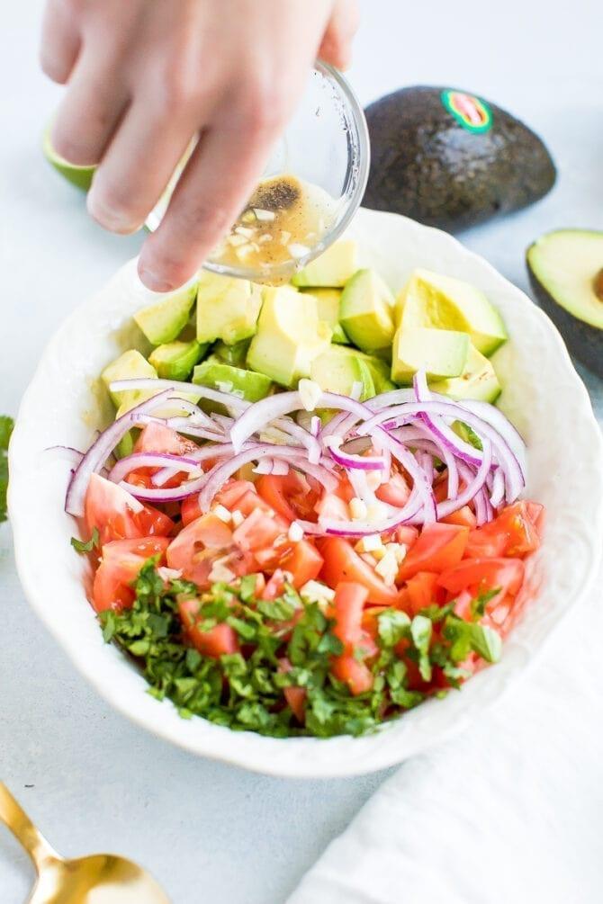 Деконструированный салат из гуакамоле 3