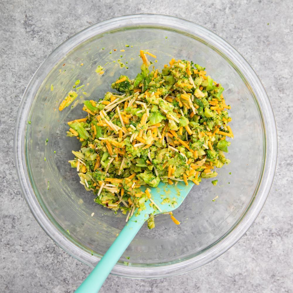 Хрустящие сырные оладьи с брокколи 3