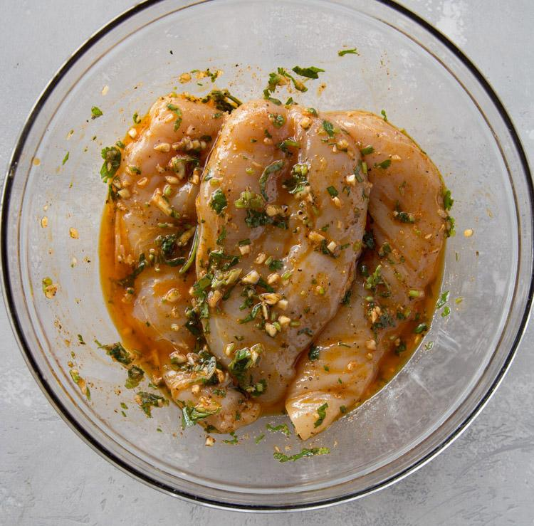 Курица-гриль с сальсой из авокадо 2