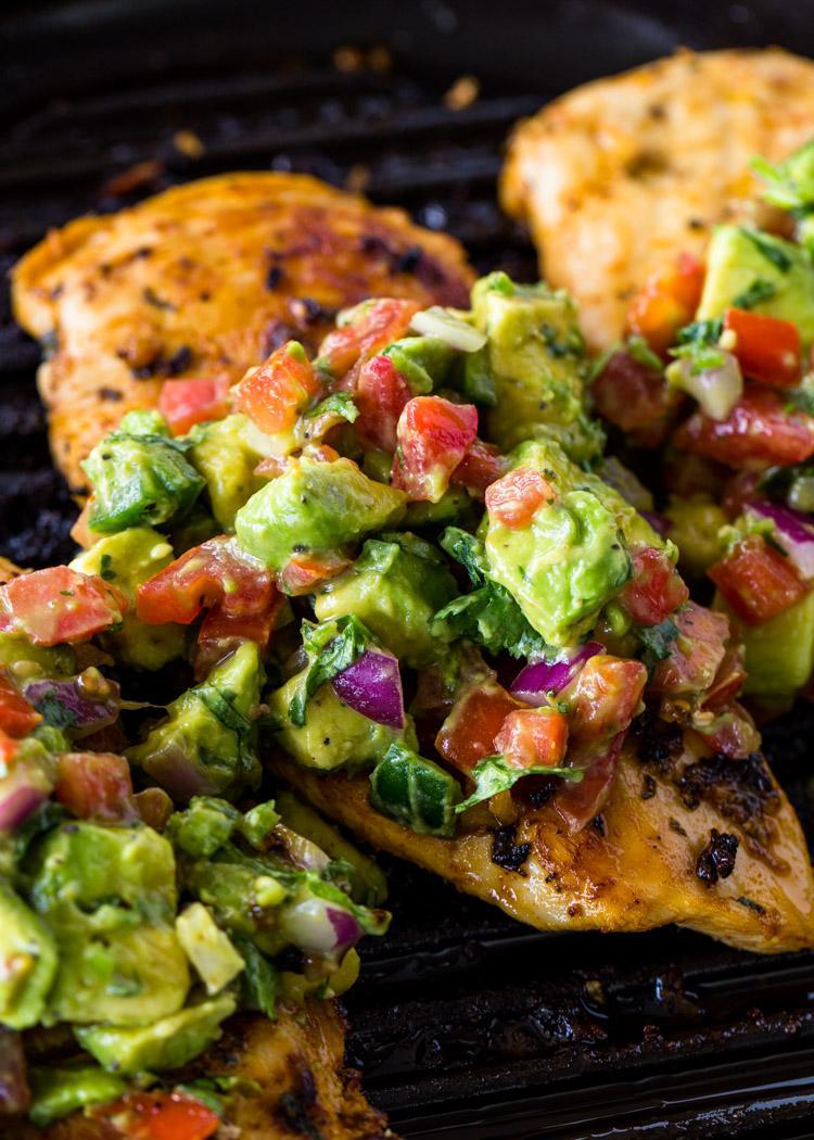 Курица-гриль с сальсой из авокадо 5