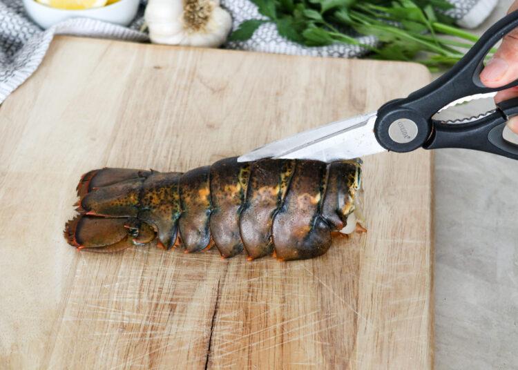 Жареные хвосты омара с чесноком и лимонным маслом 2