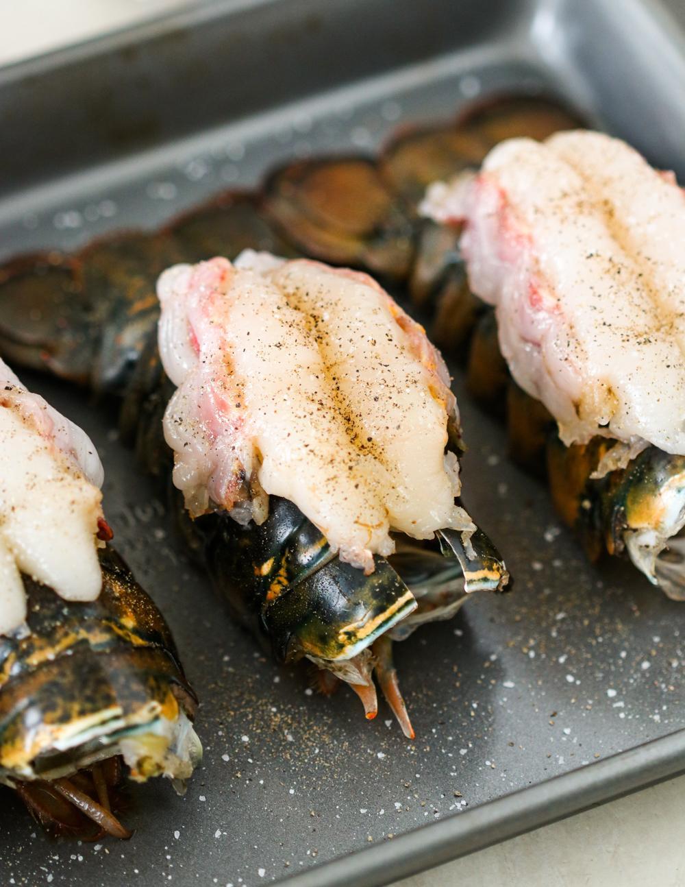 Жареные хвосты омара с чесноком и лимонным маслом 3