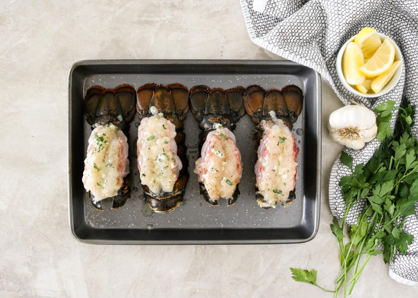 Жареные хвосты омара с чесноком и лимонным маслом 5