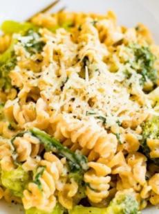 Паста с броколли и шпинатом