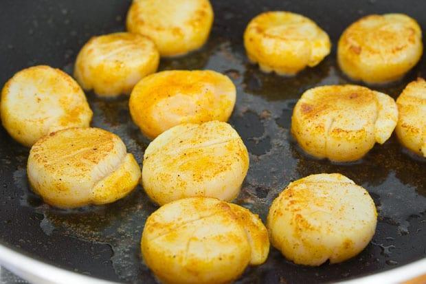 Паста с гребешками в соусе карри 3