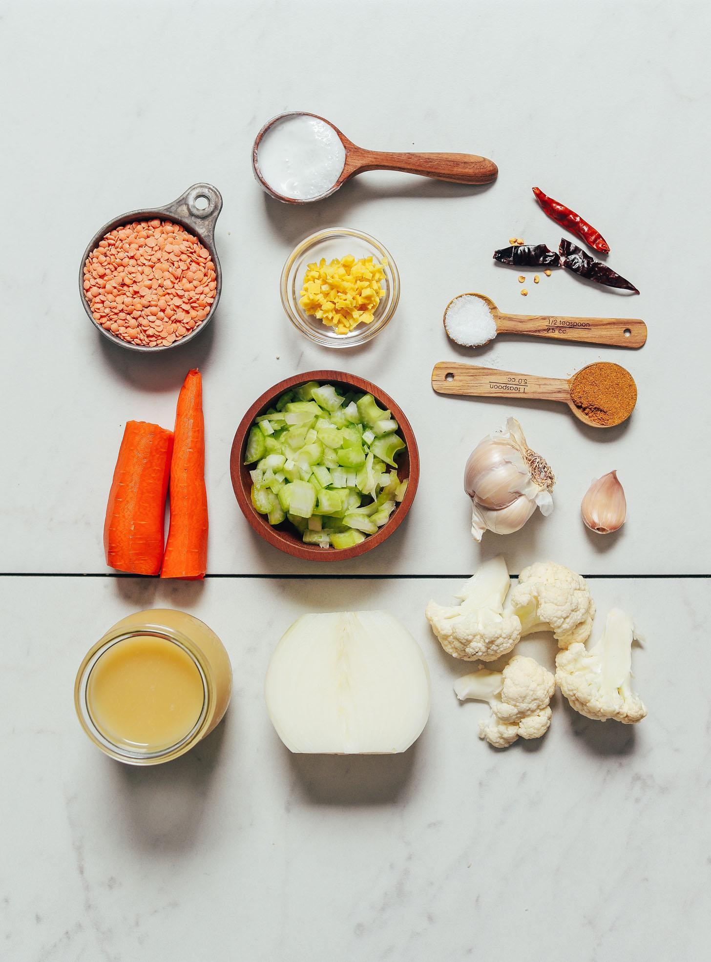 Сливочный суп из цветной капусты и чечевицы с карри