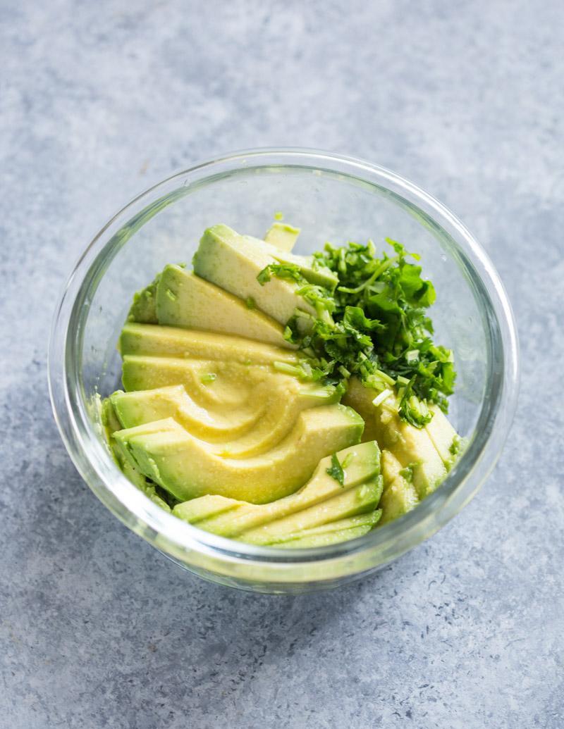 Тосты с авокадо 2
