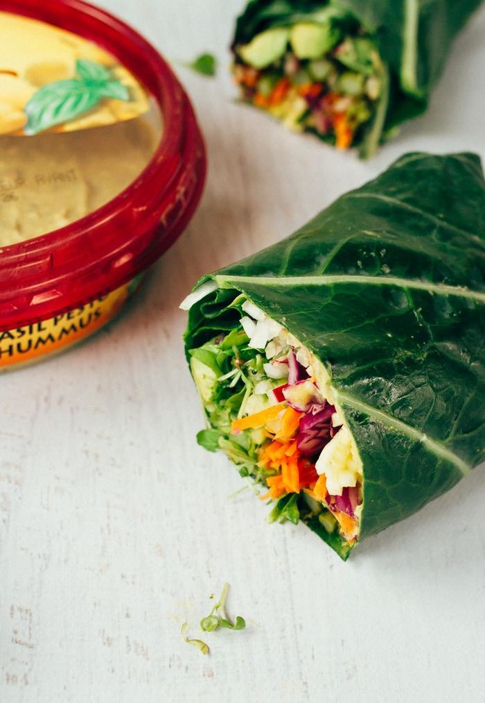 Рулеты из капусты с овощами и хумусом5
